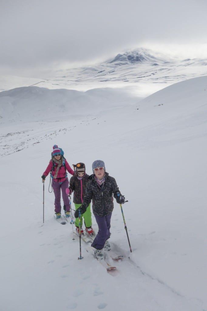 Easter WE yukon Backcountry skiing00002